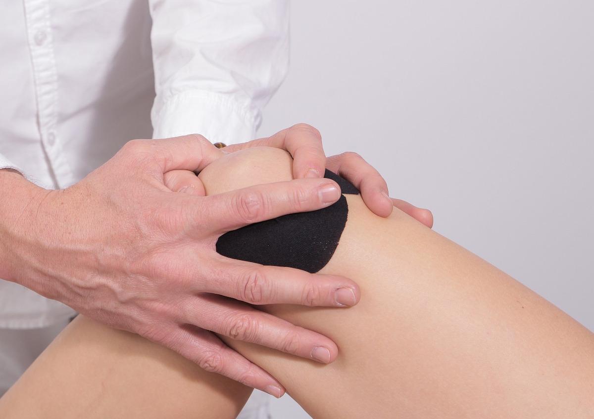 durere în articulația piciorului ce trebuie făcut Boala articulației Smyrnov