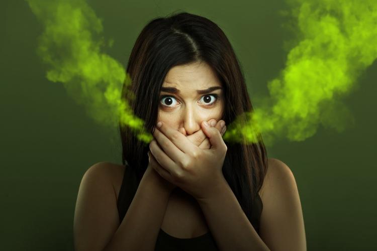 pierderea in greutate si respiratia urat mirositoare