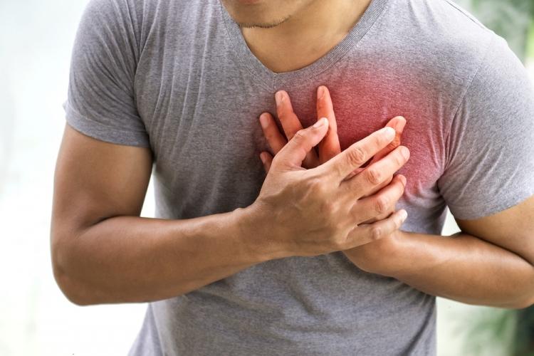 transpirație în timp ce articulațiile doare