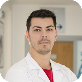 Stanculet Robert Alexandru,Absolvent al Universitatii de Medicina si Farmacie