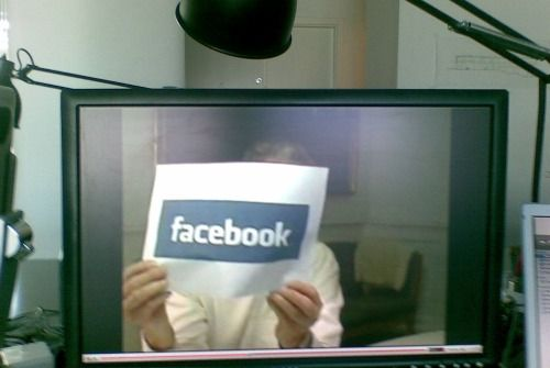 Cum poti evita depresia indusa de Facebook