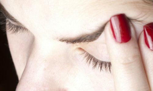 De ce se agraveaza migrenele in perioada premergatoare menopauzei?