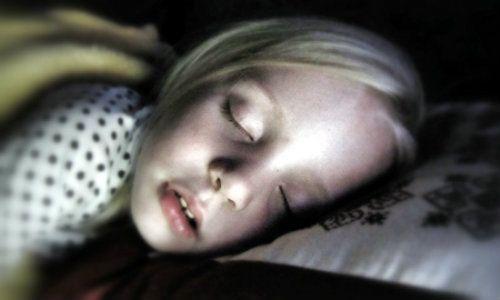 Apneea in somn la copii, asociata cu probleme cognitive
