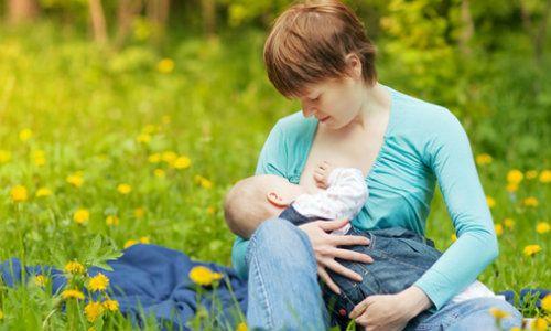 Alaptarea poate reduce riscul aparitiei sclerozei multiple in randul mamelor