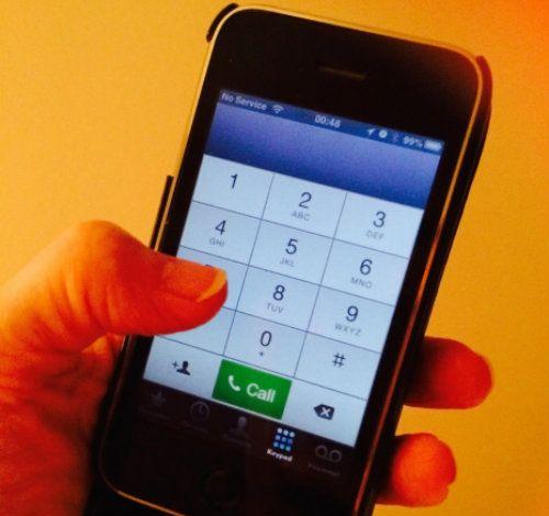 Ecranul telefoanelor mobile contine de 30 de ori mai multi microbi decat vasul de la WC- studiu