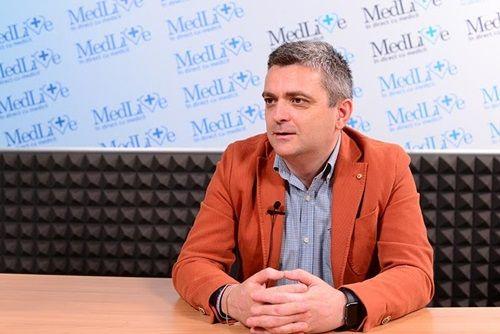 VIDEO Ce este vertebroplastia? Dr. Bogdan Dorobat: Interventia trateaza un efect al osteoporezei/ Preventia se face prin tratarea bolii