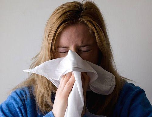 Cat timp esti contagios cand ai o raceala sau gripa
