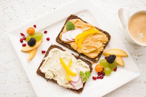 Mit sau realitate: ar putea saritul peste micul dejun sa determine cresterea in greutate?