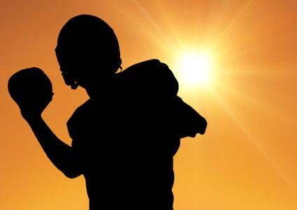5 modalitati de prevenire a cancerului de piele, pe langa utilizarea cremei de protectie solara
