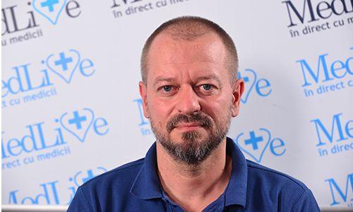 VIDEO Dr. Mircea Andriescu, medic primar chirurgie pediatrica: Pana la 1 an de viata, copiii sunt foarte bine toaletati de parinti si pericolul de balanopostita este foarte mic