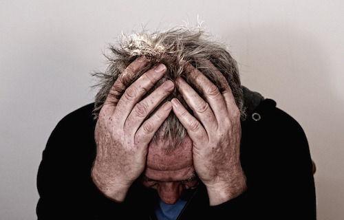5 obstacole pe care barbatii trebuie sa le depaseasca pentru a accepta ca au o problema de sanatate mintala